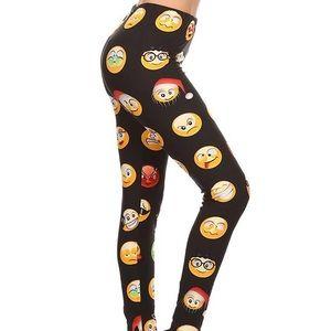 2/$26 3/$36 Christmas emojis leggings sle1672